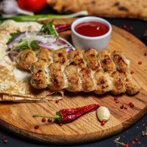 Люля кебаб из курицы на мангале Бровары